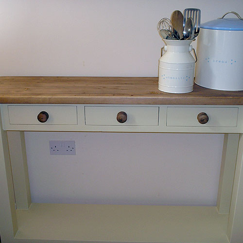 BBC38. Freestanding Painted Kitchen 3 Drawer Console Table.